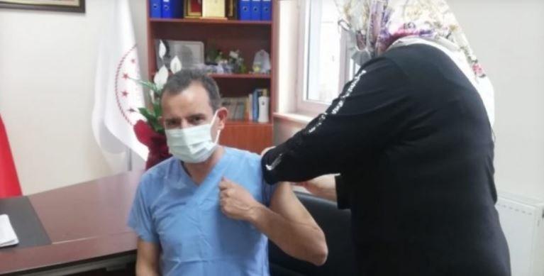 Kaymakam Özçakıcı Covid-19 aşısını yaptırdı
