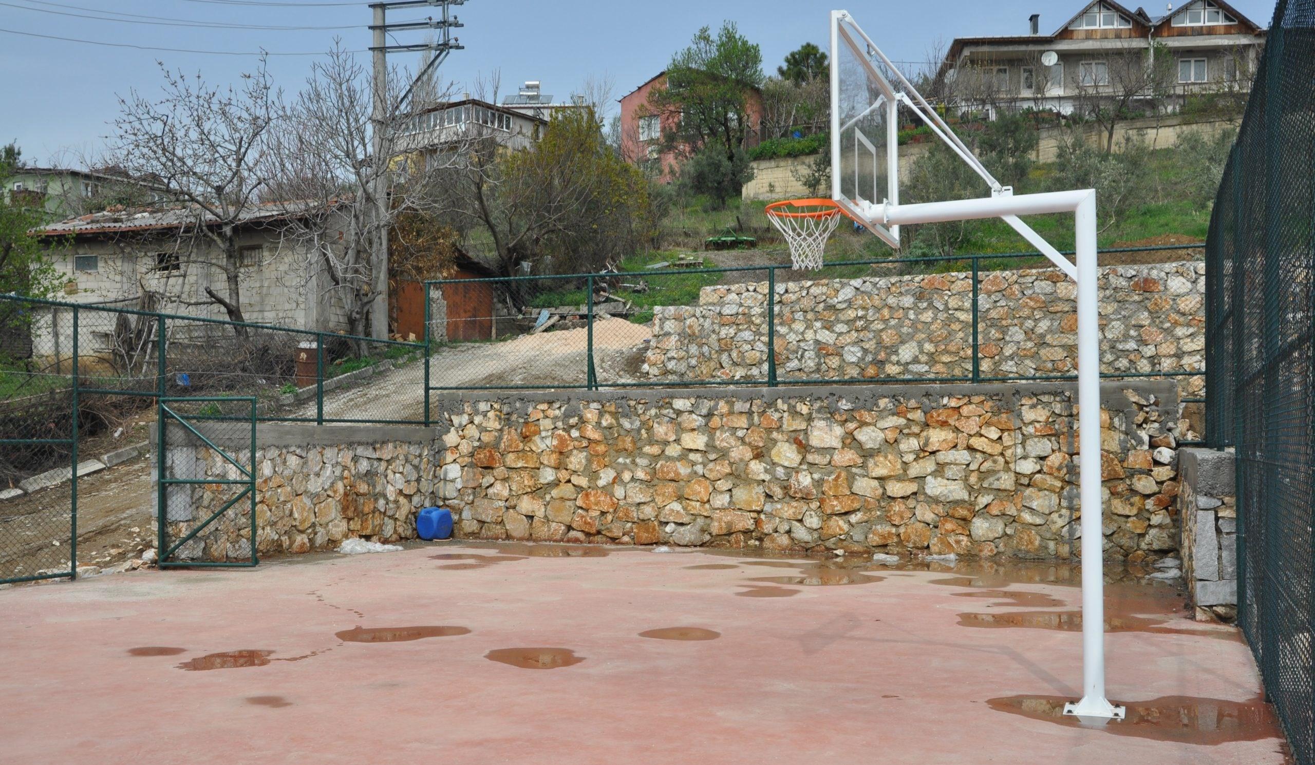 İki mahalleye daha basketbol sahası