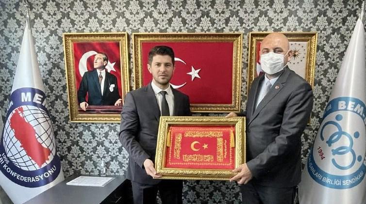 Başkan Aydın BEM-BİR-SEN Bursa Şubesini ziyaret etti